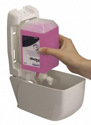 Мыло Клинекс 1 л жидкое розовое 6331( для диспенсера  ) Image 1